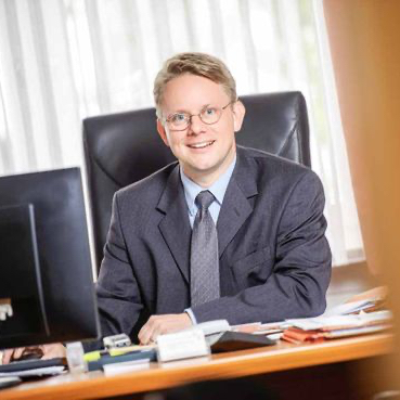 Kay-Niklas Elsaesser, LL.M.
